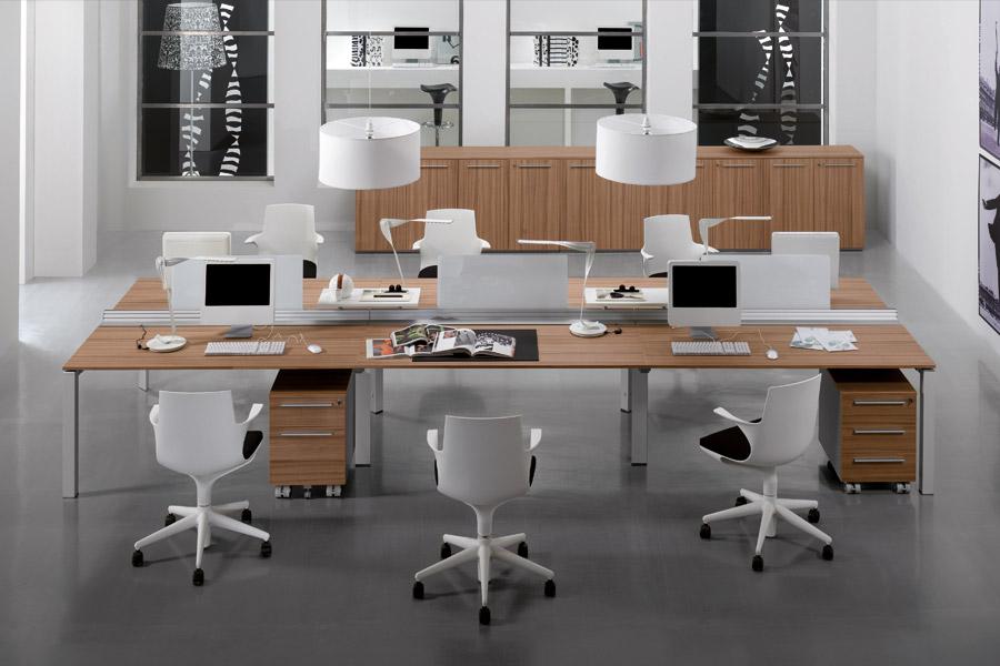 Mobili per l 39 ufficio crollo in medio oriente bene usa ed uk for Offerte mobili per ufficio