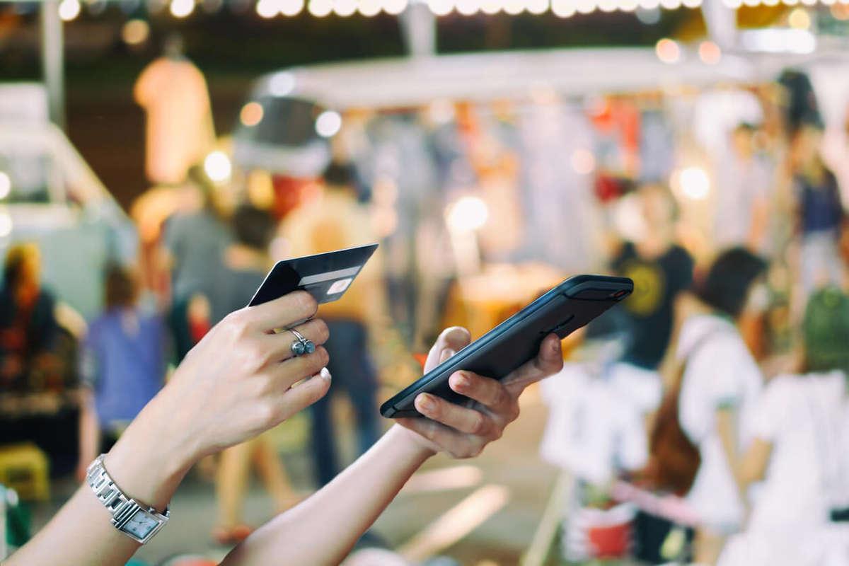 9472afbadec1 Mobile Commerce  lo shopping online si fa sempre più da smartphone